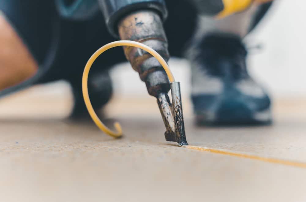8 Steps to Fix Vinyl Flooring Seams
