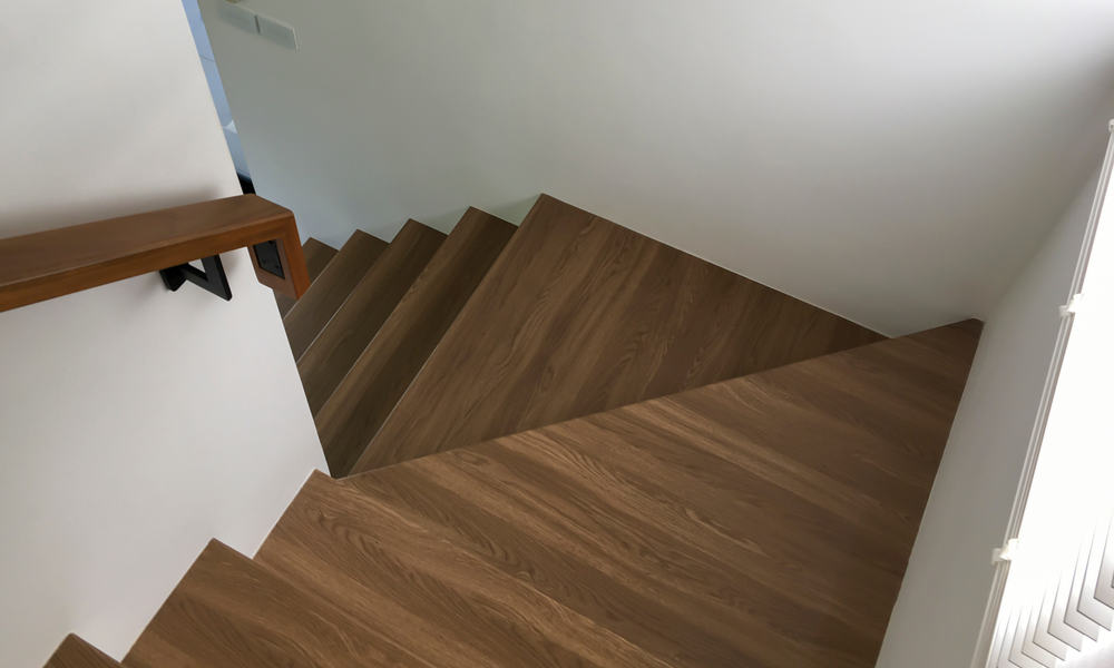 7 Steps to Install Vinyl Plank Flooring on Stairs