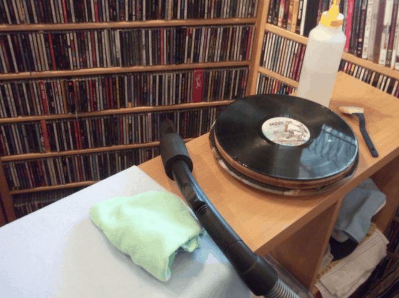 Can I Clean Vinyl Records with a Vacuum Cleaner