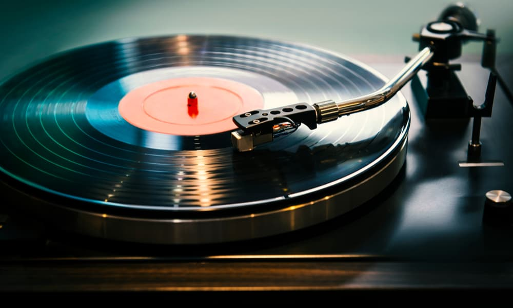 How Do Vinyl Records Work The Ins and Outs of Playing Vinyl Records
