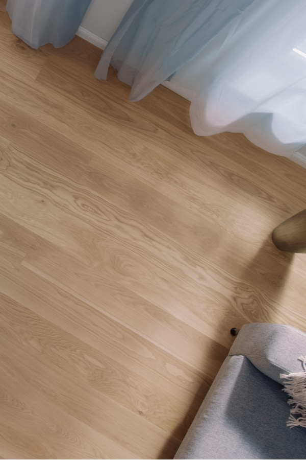 Karndean Vinyl Plank Lines
