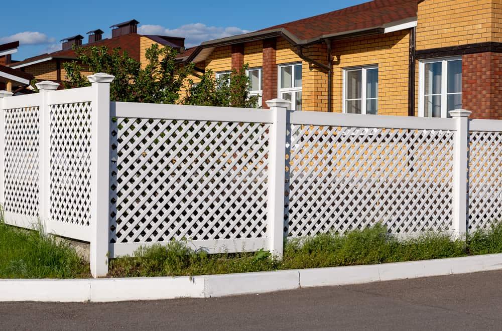 What Is PVC Vinyl Fencing