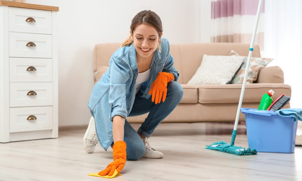5 Ways to Clean Discolored Vinyl Flooring (Prevent Tips)