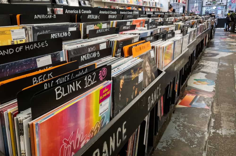 Choose an Appropriate Environment for Your Vinyl Records' Storage