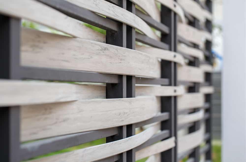 Narrow Weave Fence