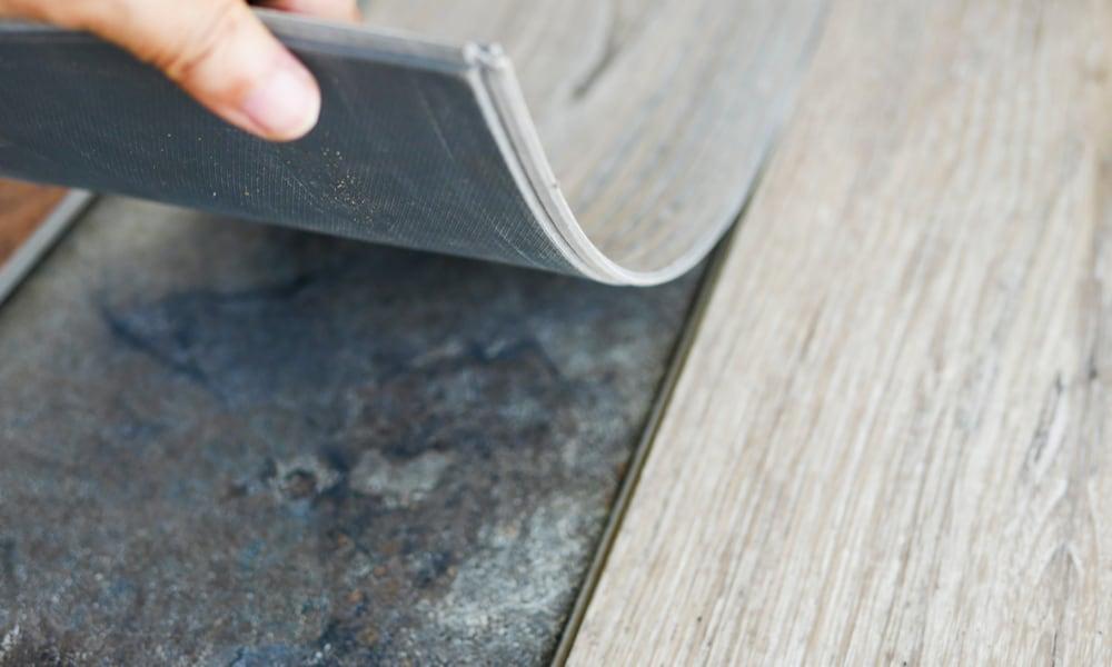 Vinyl Plank Flooring Separating (Causes, Fix & Prevent)