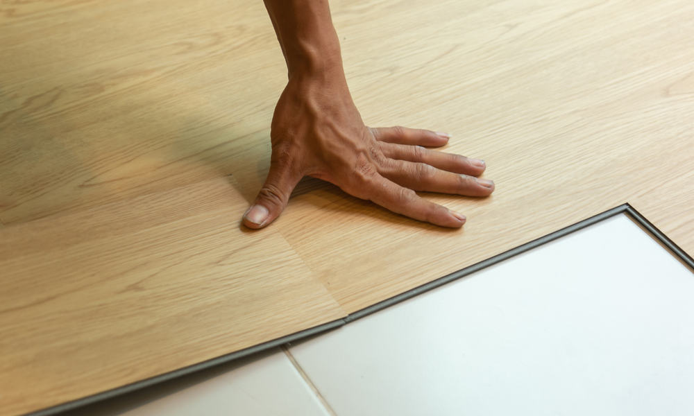What is Click Vinyl Plank Flooring (Pros & Cons)
